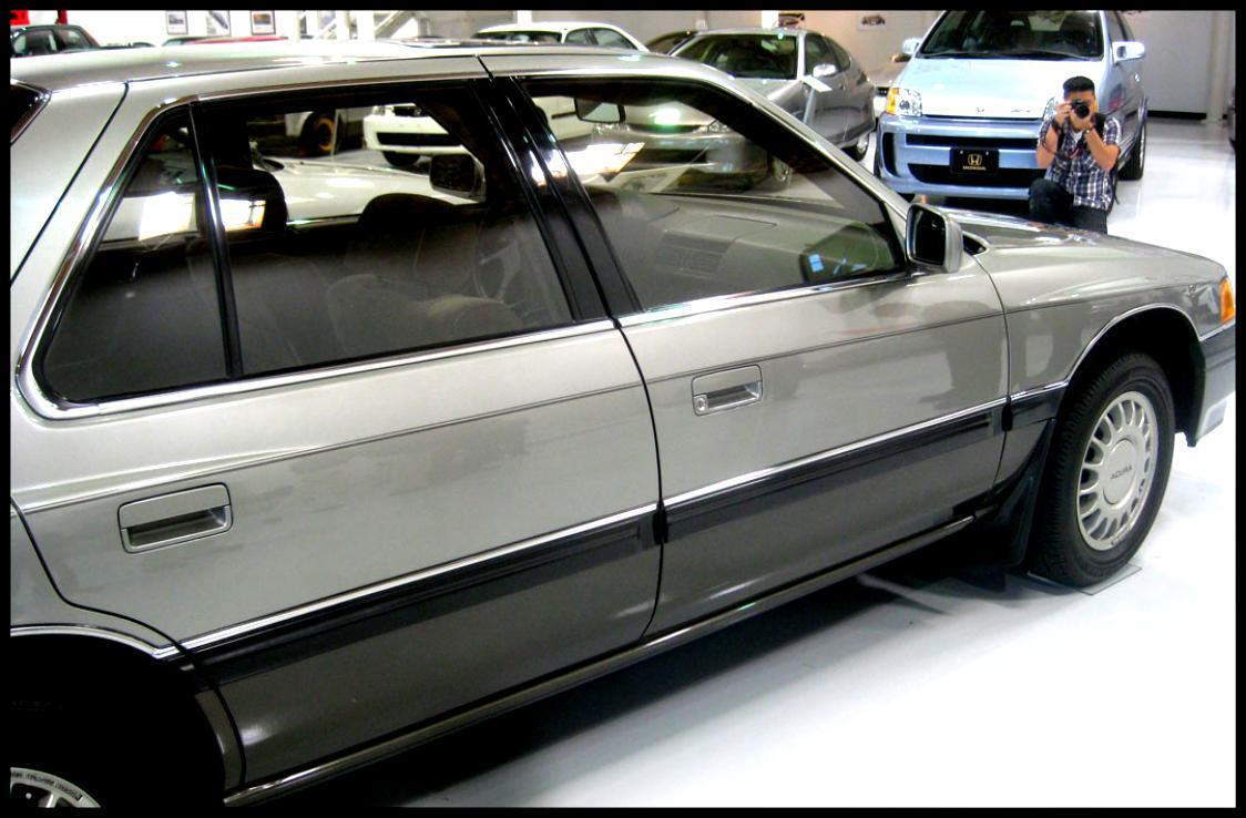 Acura Legend 1986 on MotoImg.com