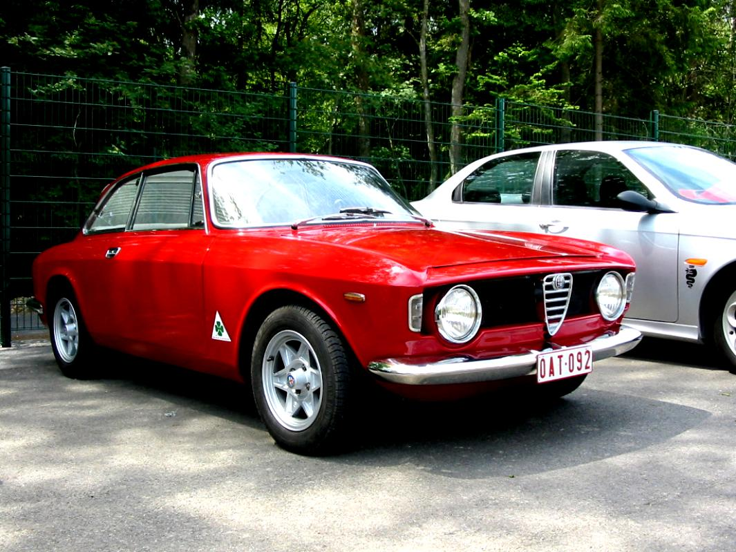 alfa romeo giulia coupe 1300 gta junior 1965 on. Black Bedroom Furniture Sets. Home Design Ideas