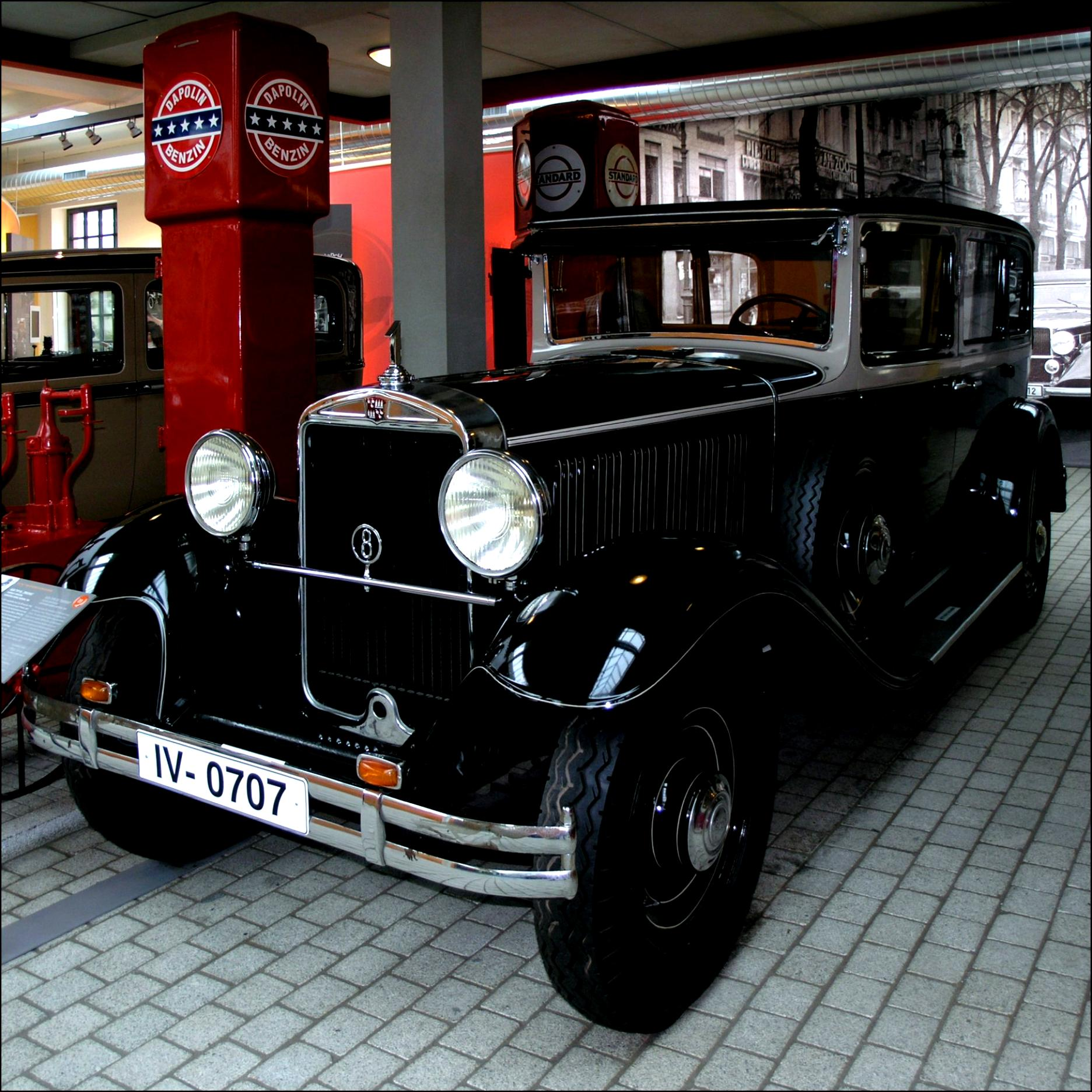 Audi typ r imperator 1927 on motoimg r imperator phaeton 1929 other cars audi typ r imperator phaeton 1929 audi v8 1988 bentley arnage blue train series 2005 bentley arnage limousine vanachro Images