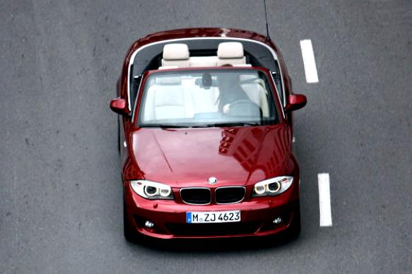 BMW 1 Series Cabriolet E88 2010 #6