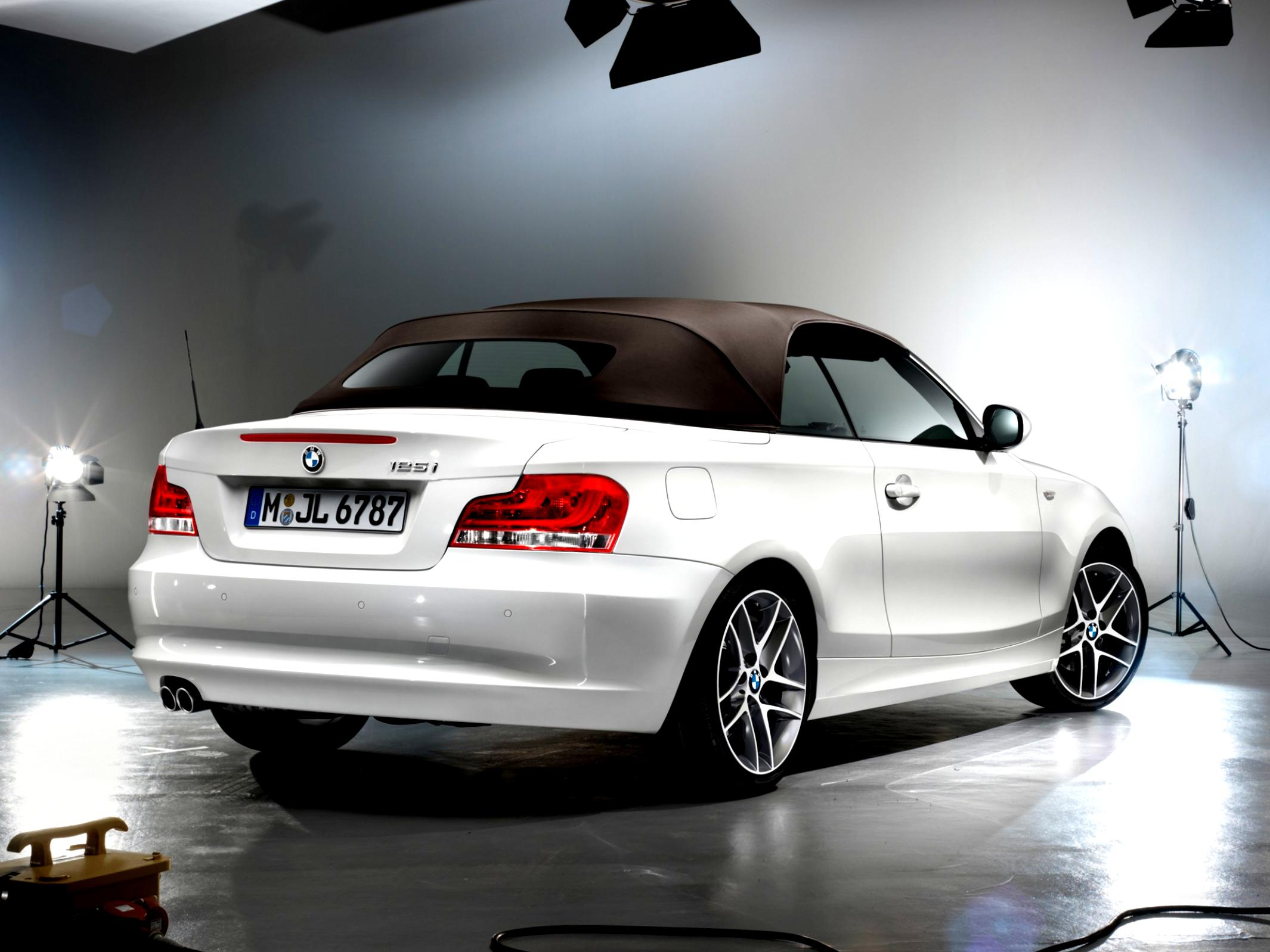 BMW 1 Series Cabriolet E88 2010 #18
