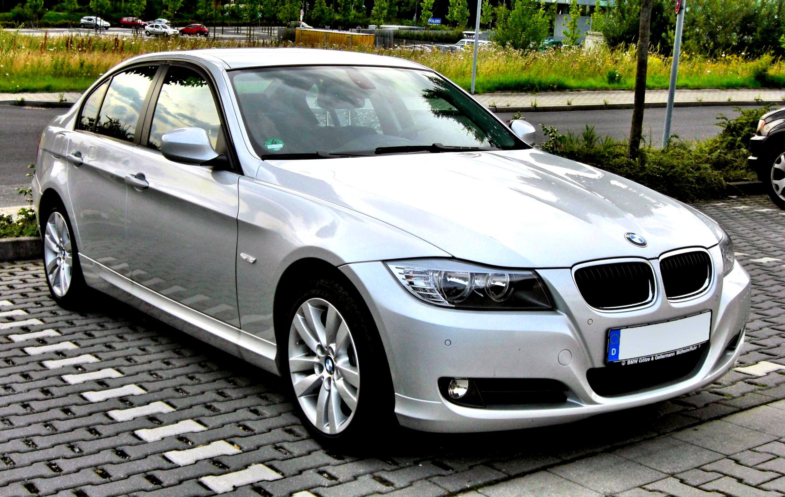 bmw 3 series e90  definition of bmw 3 series e90 and