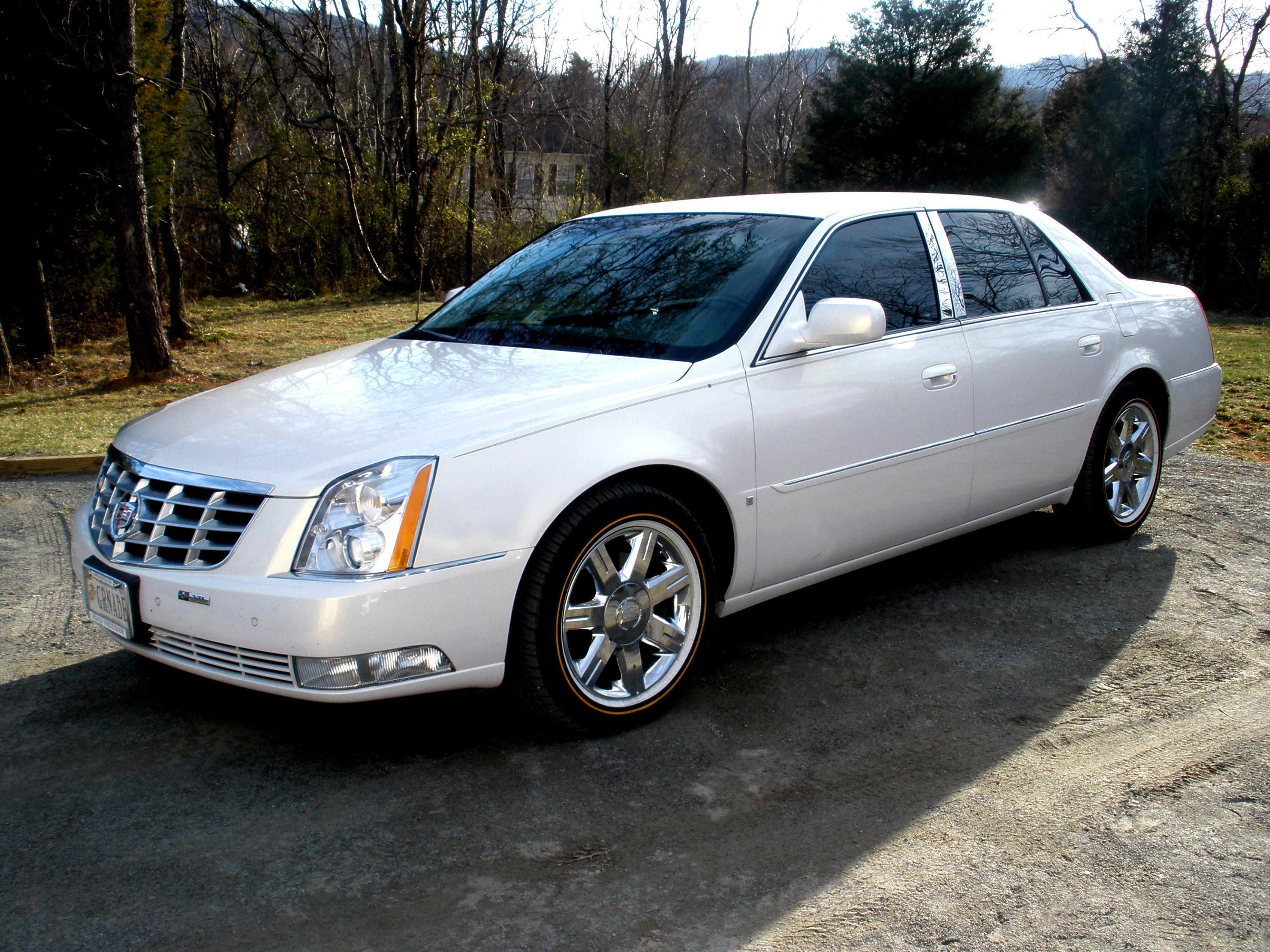 Cadillac Dts 2008 Photos 10 On Motoimg Com