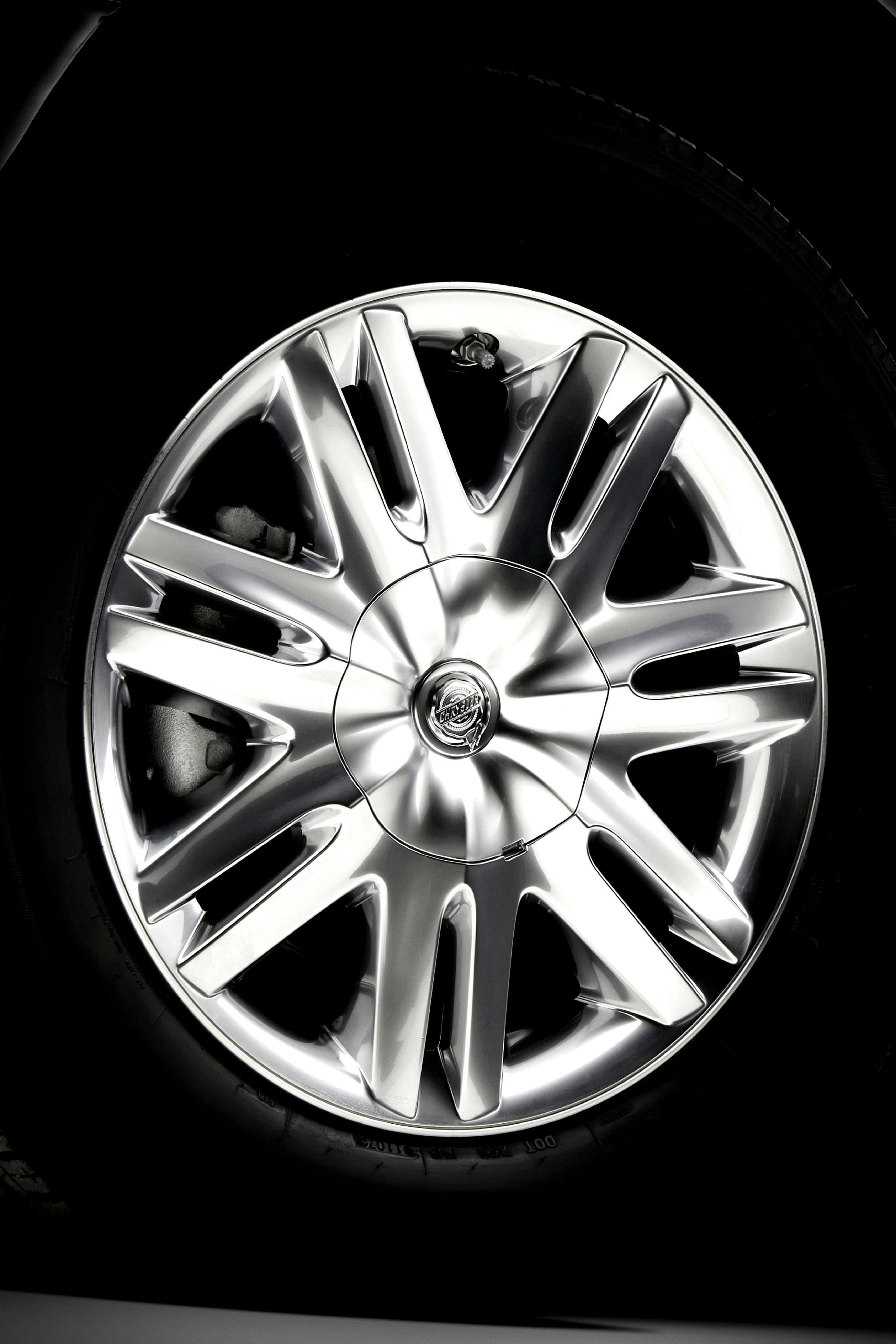 Chrysler Town Country 2007 On 1949 And Hubcaps 35