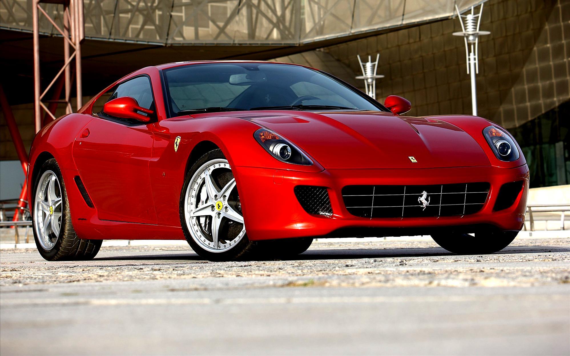 белый автомобиль Ferrari 599 GTB Fiorano загрузить