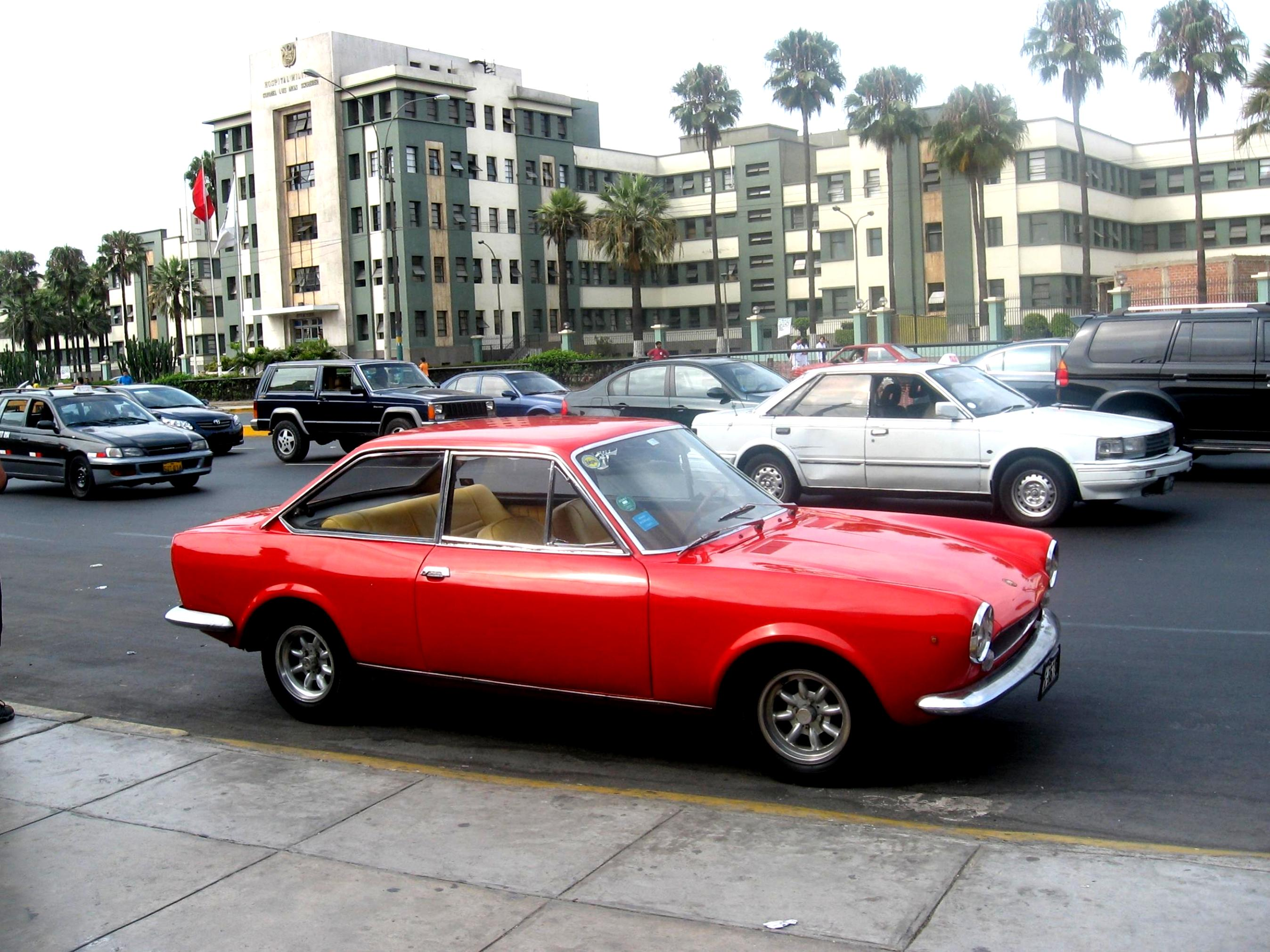 fiat 124 sport coupe 1969 photos 5 on. Black Bedroom Furniture Sets. Home Design Ideas