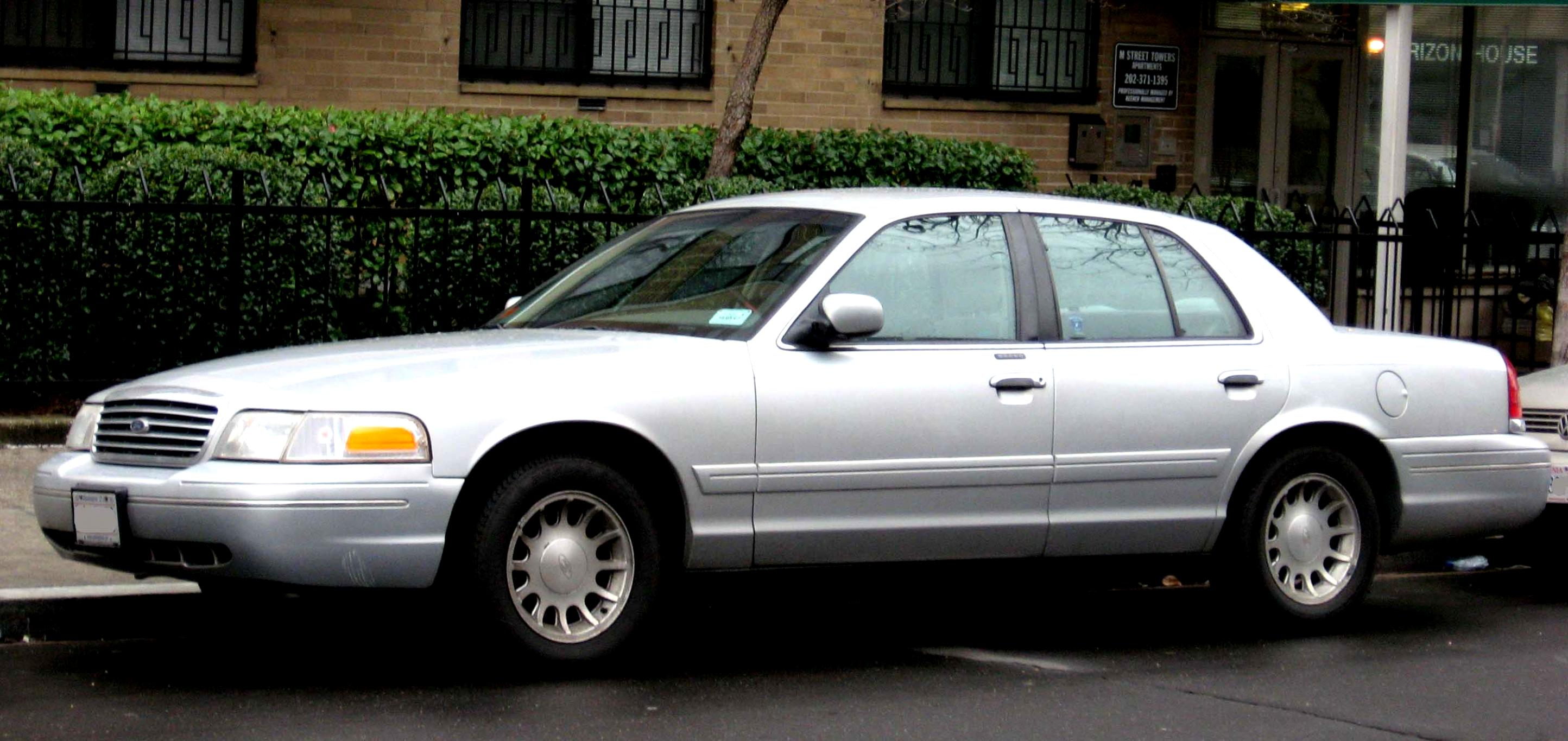 Ford Crown Victoria 1998 #3