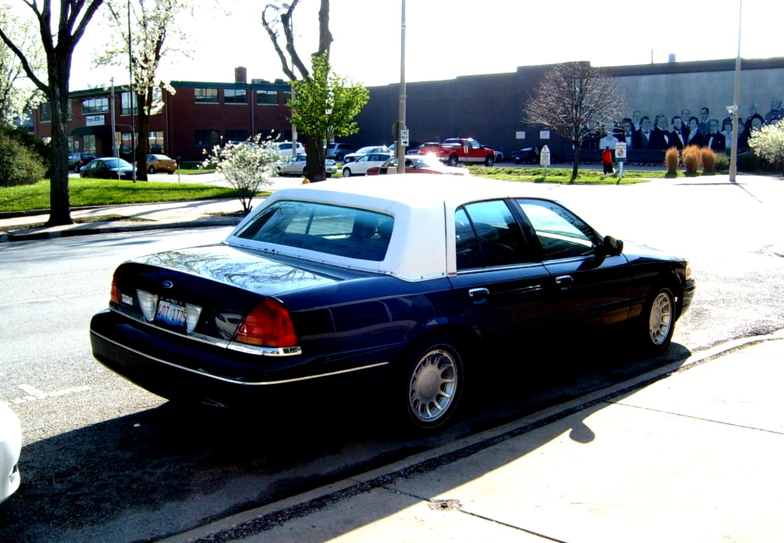 Ford Crown Victoria 1998 #39