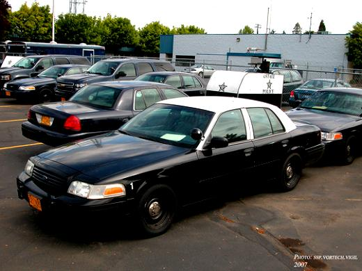 Ford Crown Victoria 1998 #47