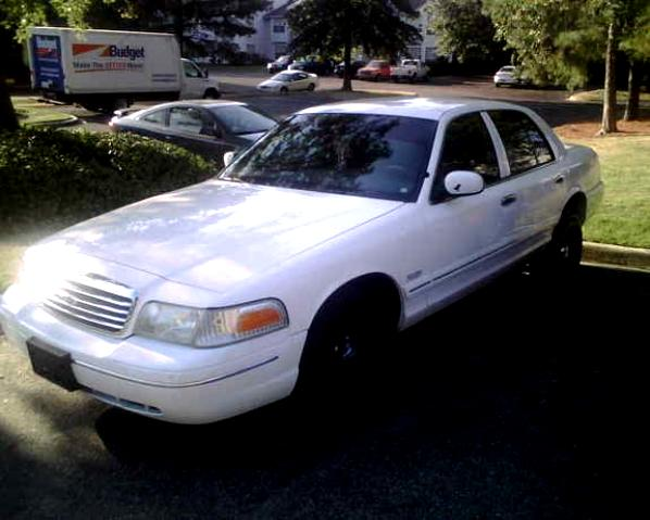 Ford Crown Victoria 1998 #65
