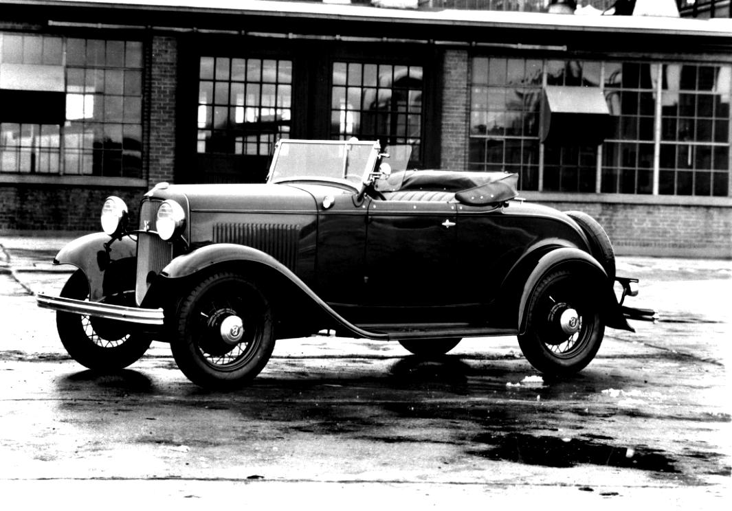 Ford Deluxe Roadster 1932 #1