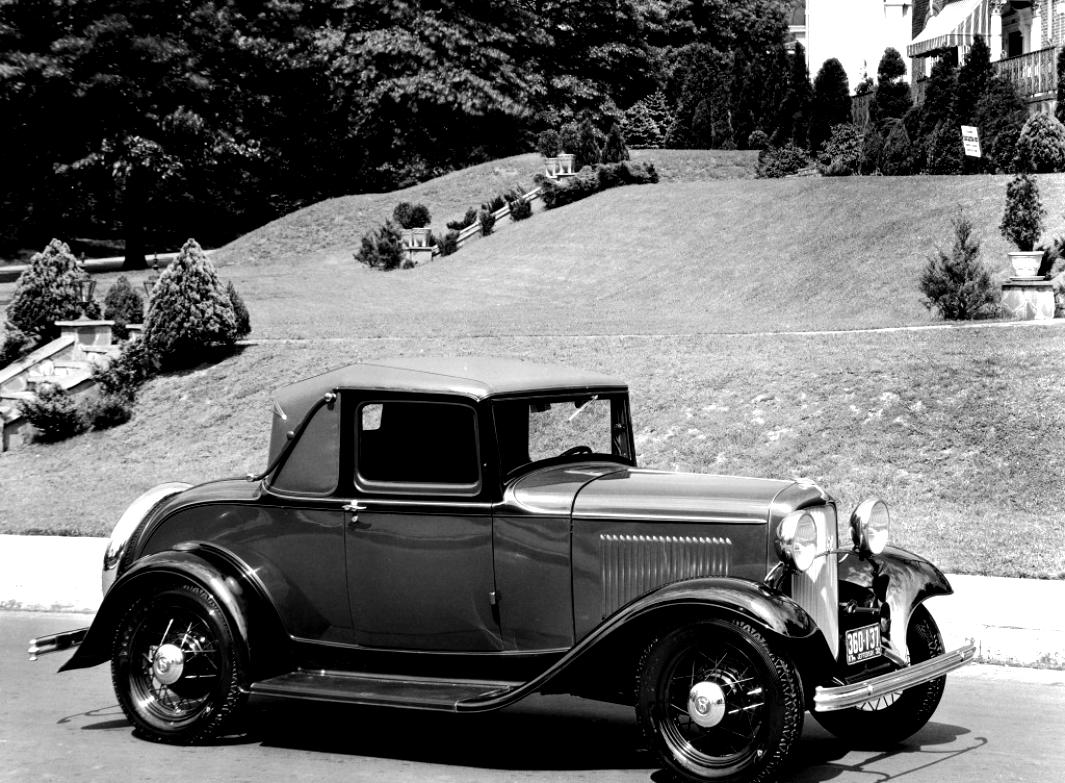 Ford Deluxe Roadster 1932 #2