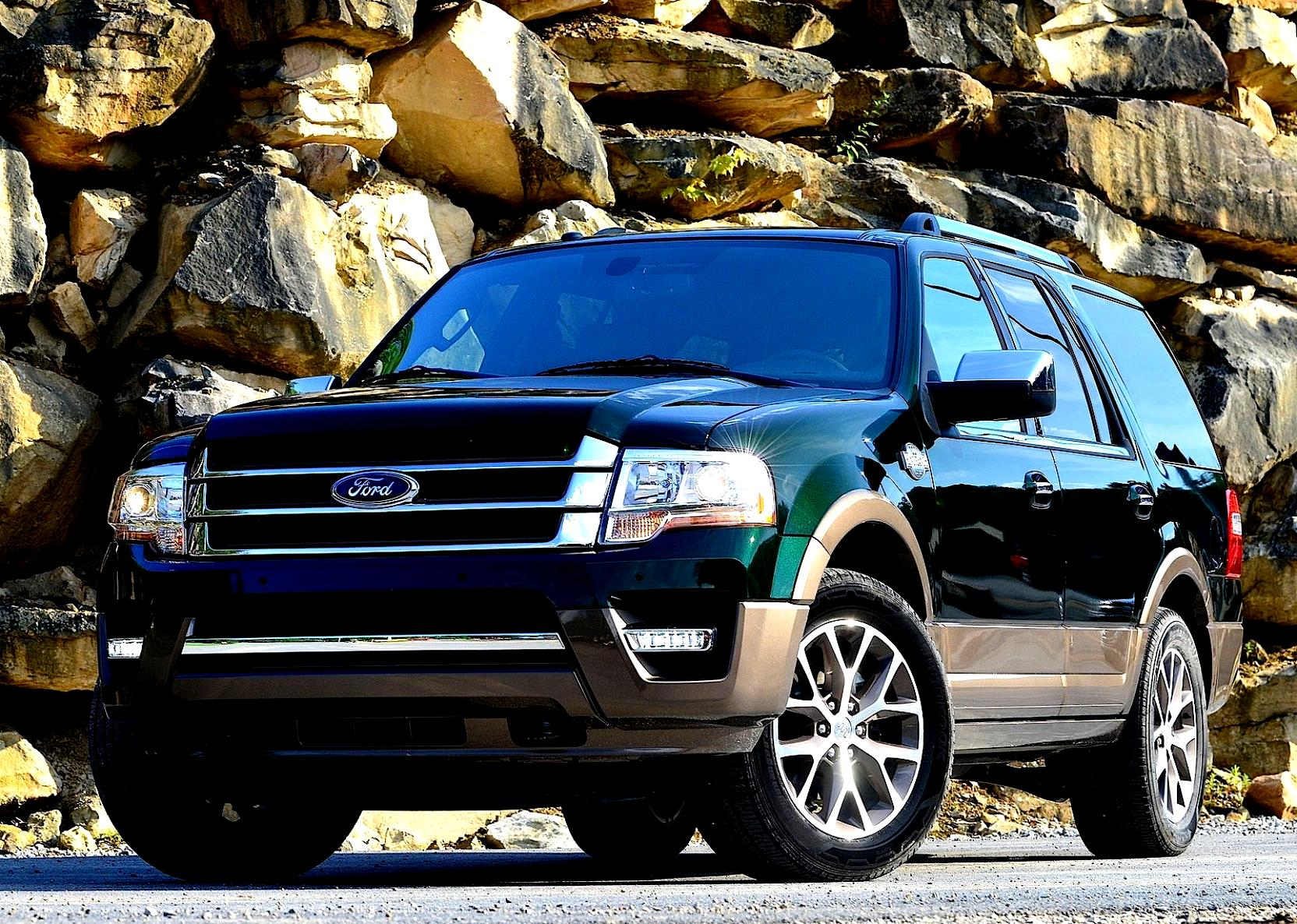 2005 ford expedition dimensions length height clearance. Black Bedroom Furniture Sets. Home Design Ideas