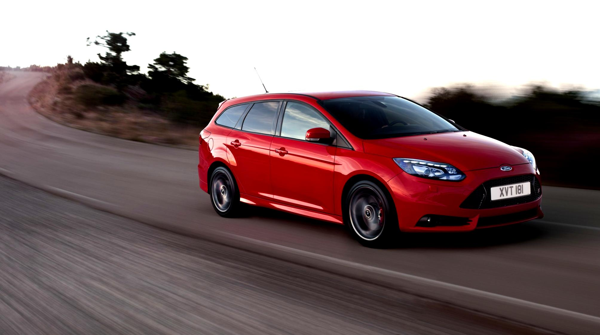 Ford Focus Wagon 2011 #24