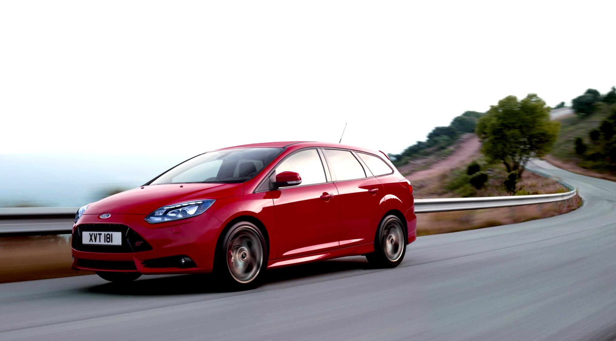 Ford Focus Wagon 2011 #25