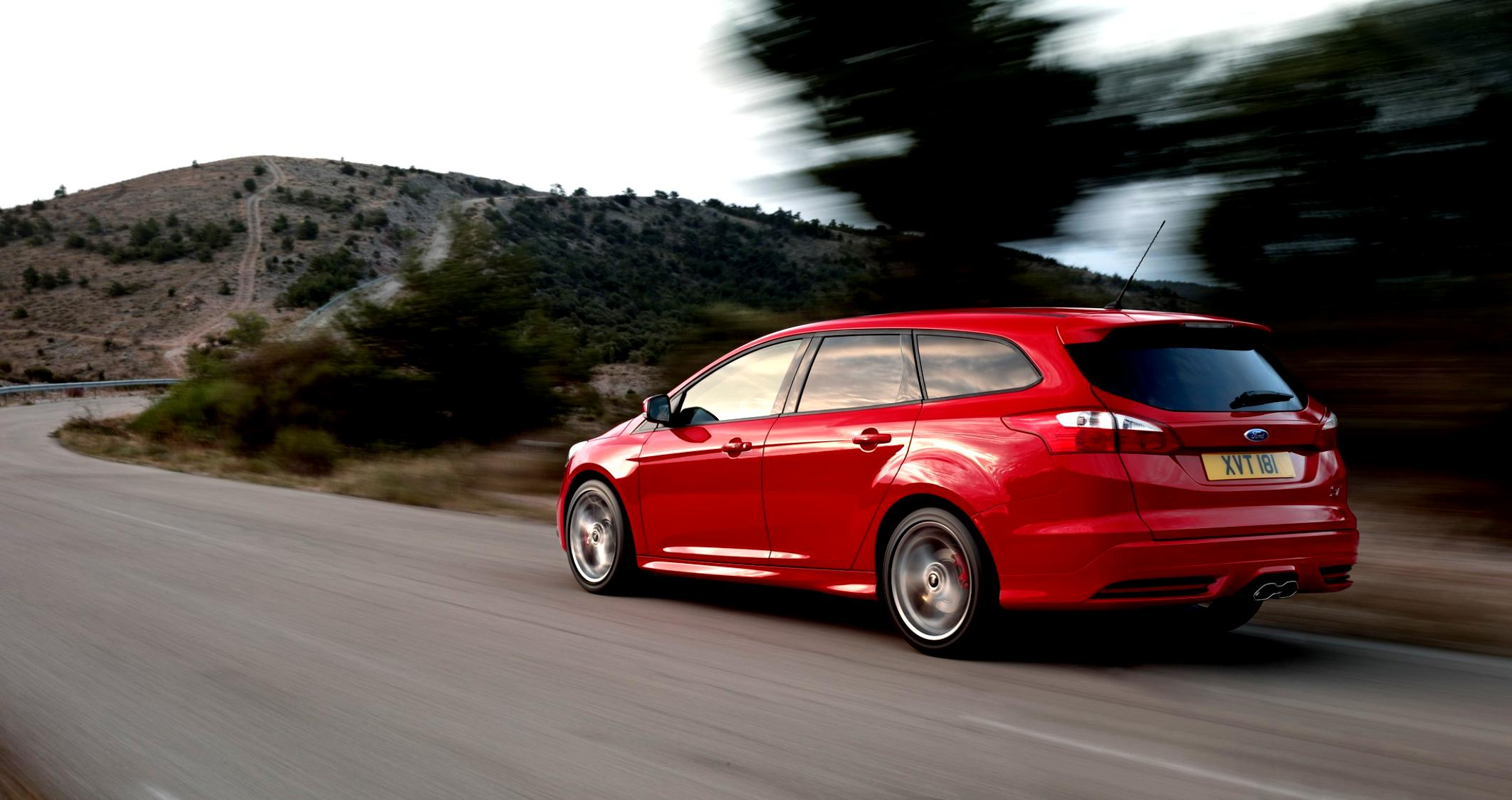 Ford Focus Wagon 2011 #26