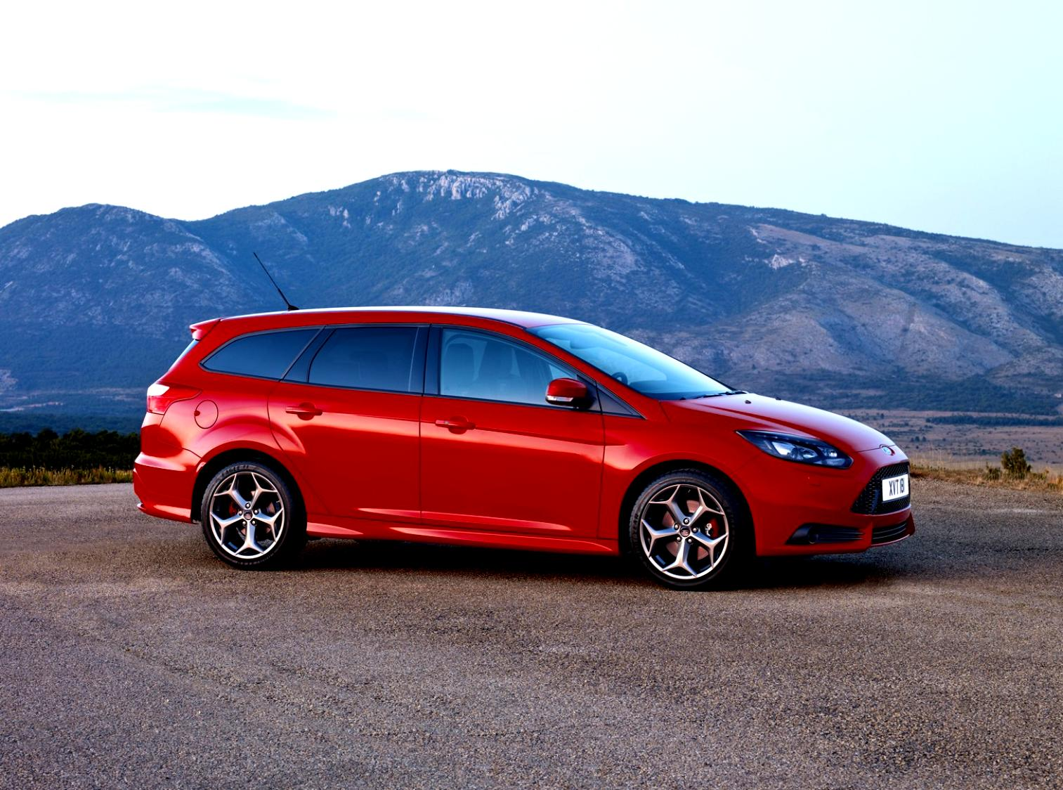 Ford Focus Wagon 2011 #27