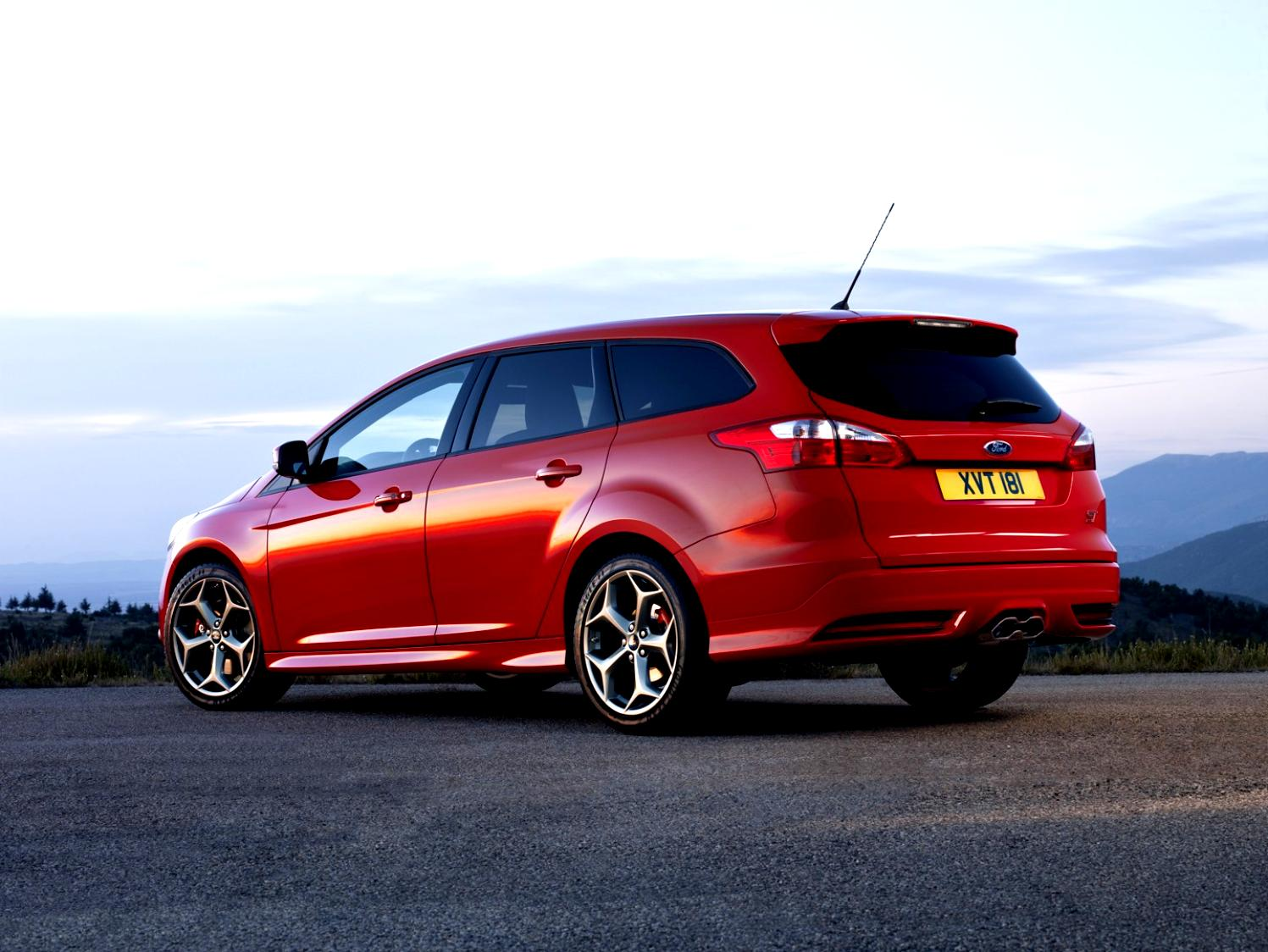 Ford Focus Wagon 2011 #28
