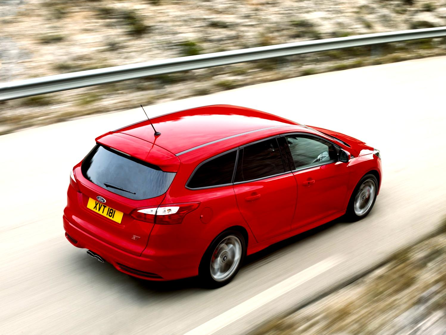 Ford Focus Wagon 2011 #30