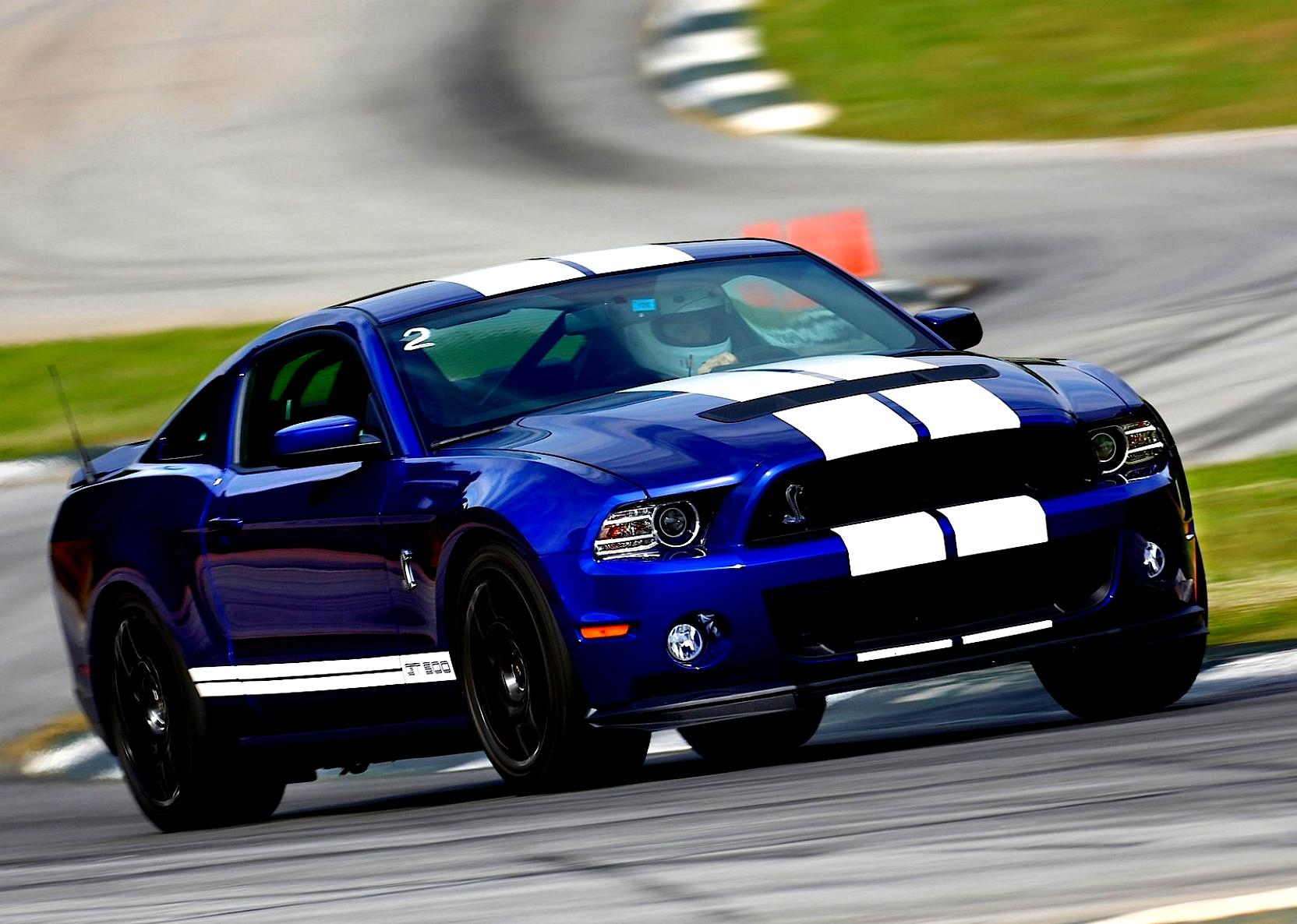 Ford Mustang Shelby GT500 2012 on MotoImg