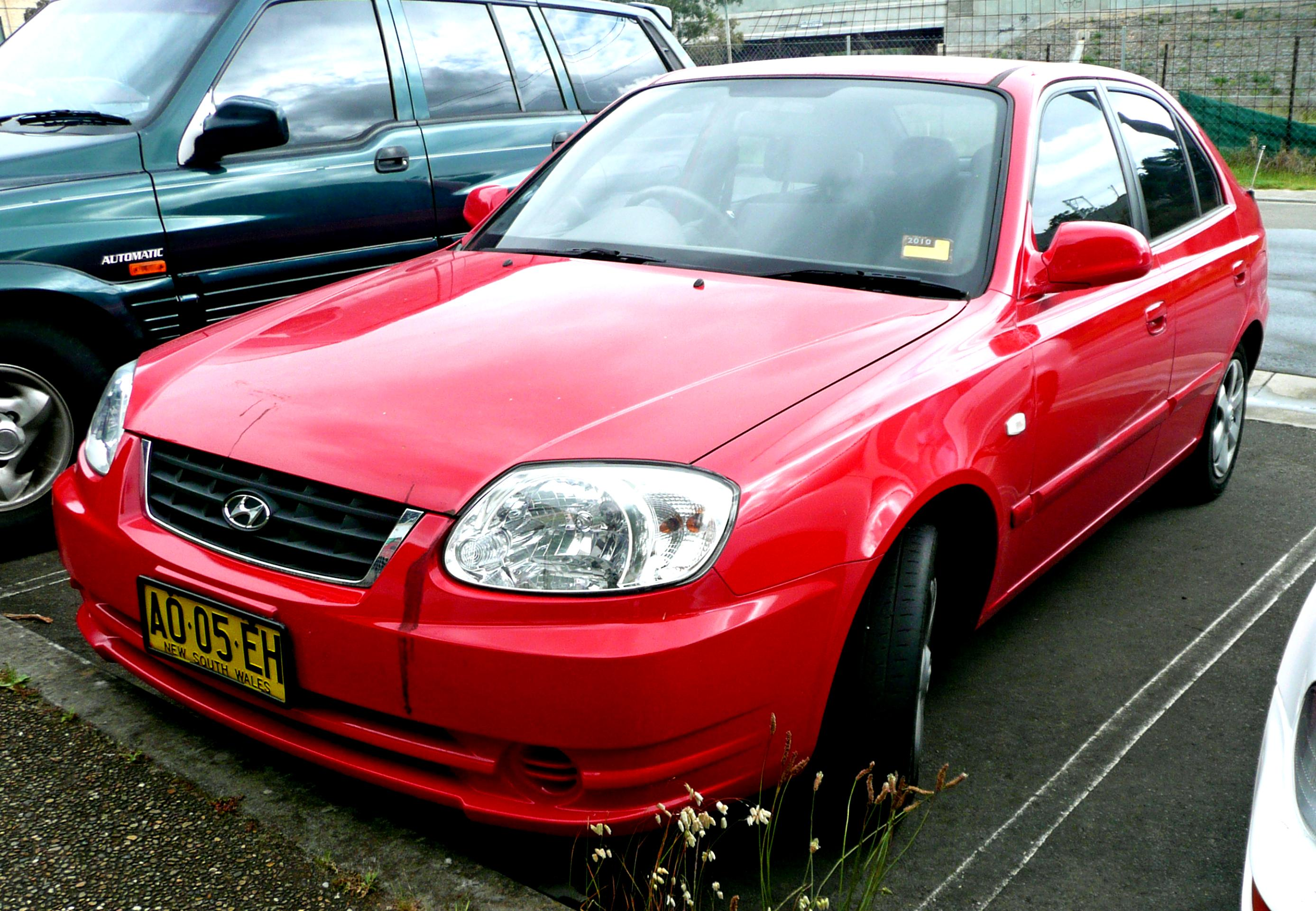 Hyundai Accent 4 Doors 2003 on MotoImg