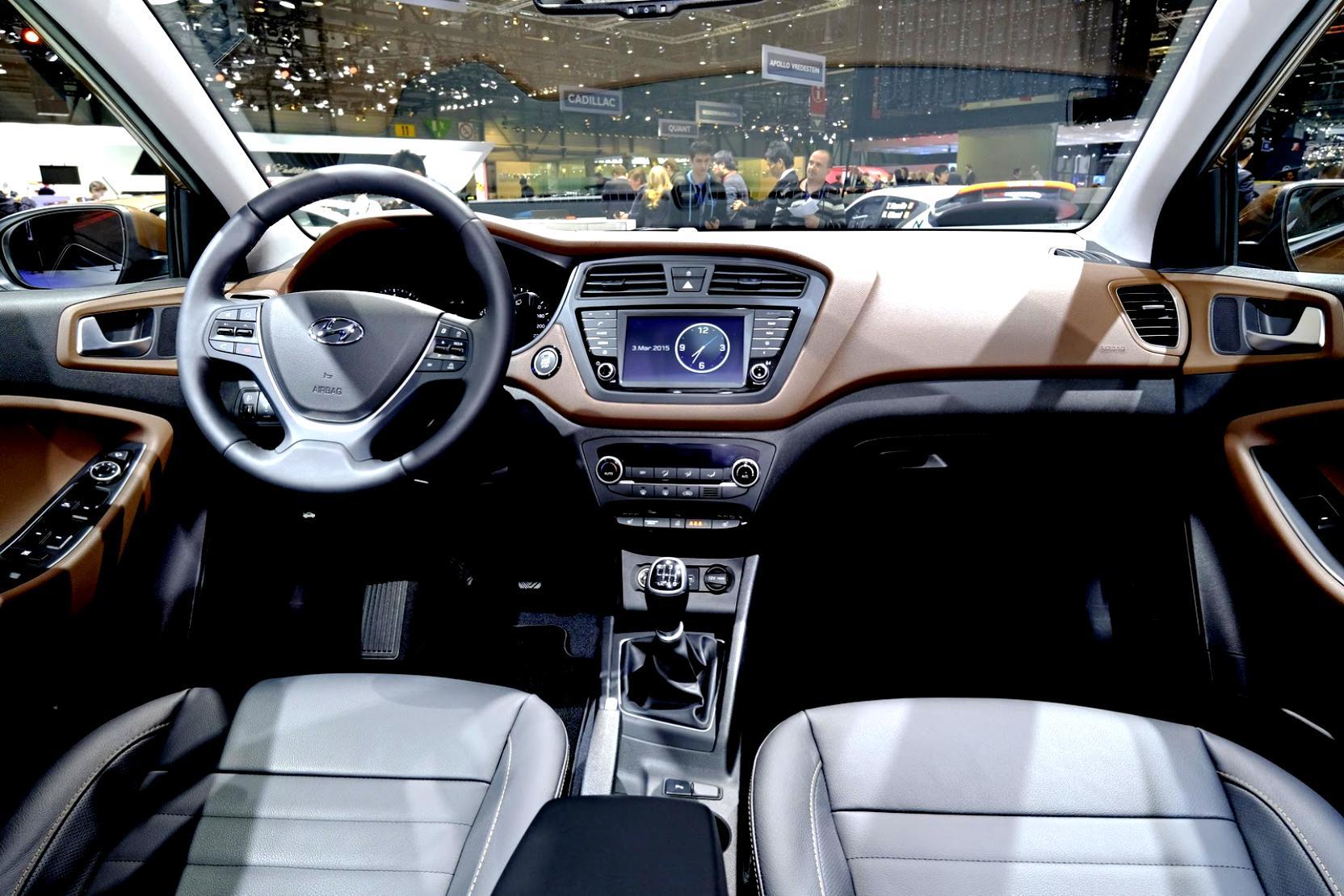 Hyundai I20 Coupe 2015 Photos 53 On Motoimg Com