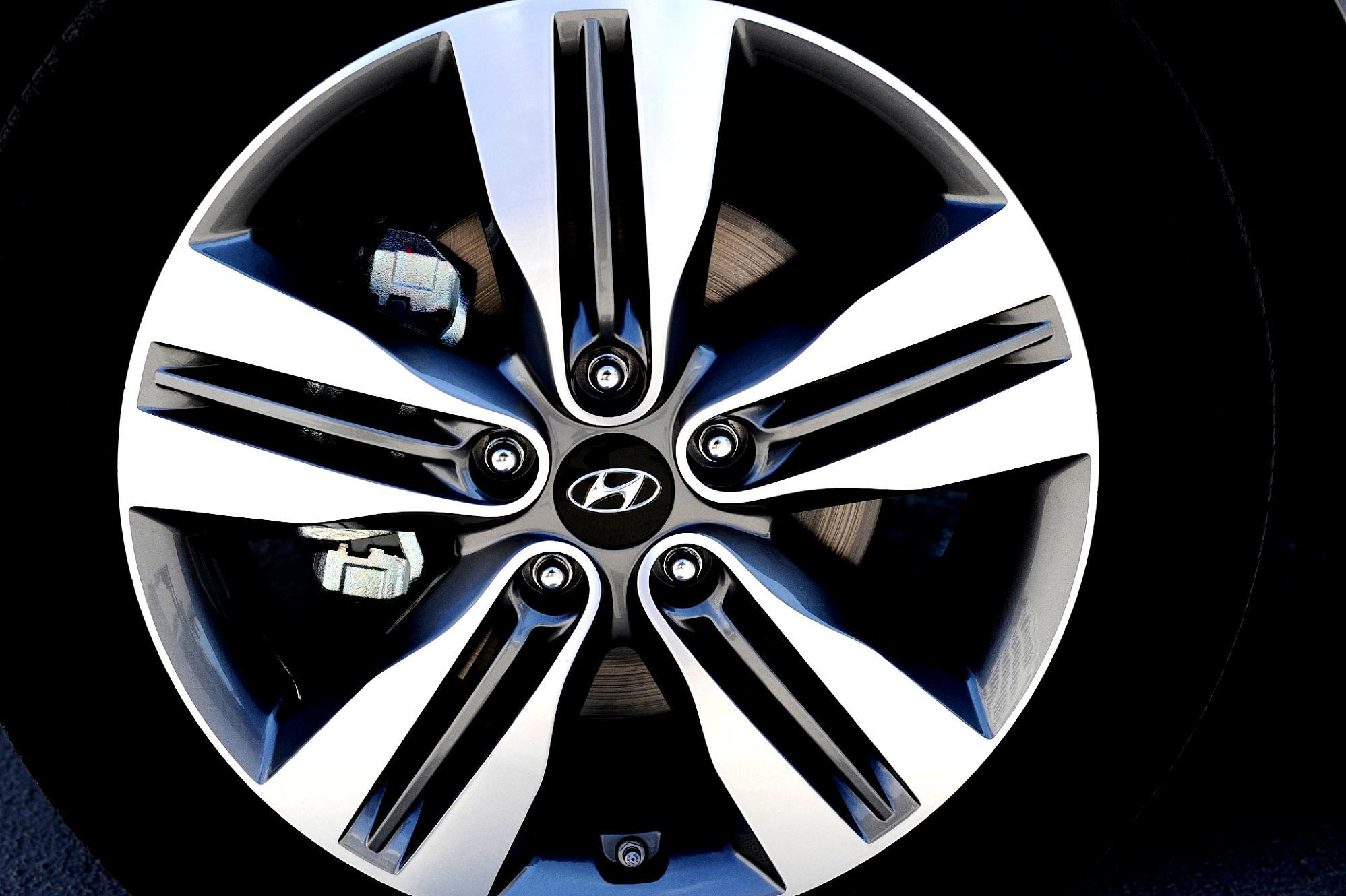 Hyundai Ix35 Tucson 2013 Photos 11 On Motoimg Com