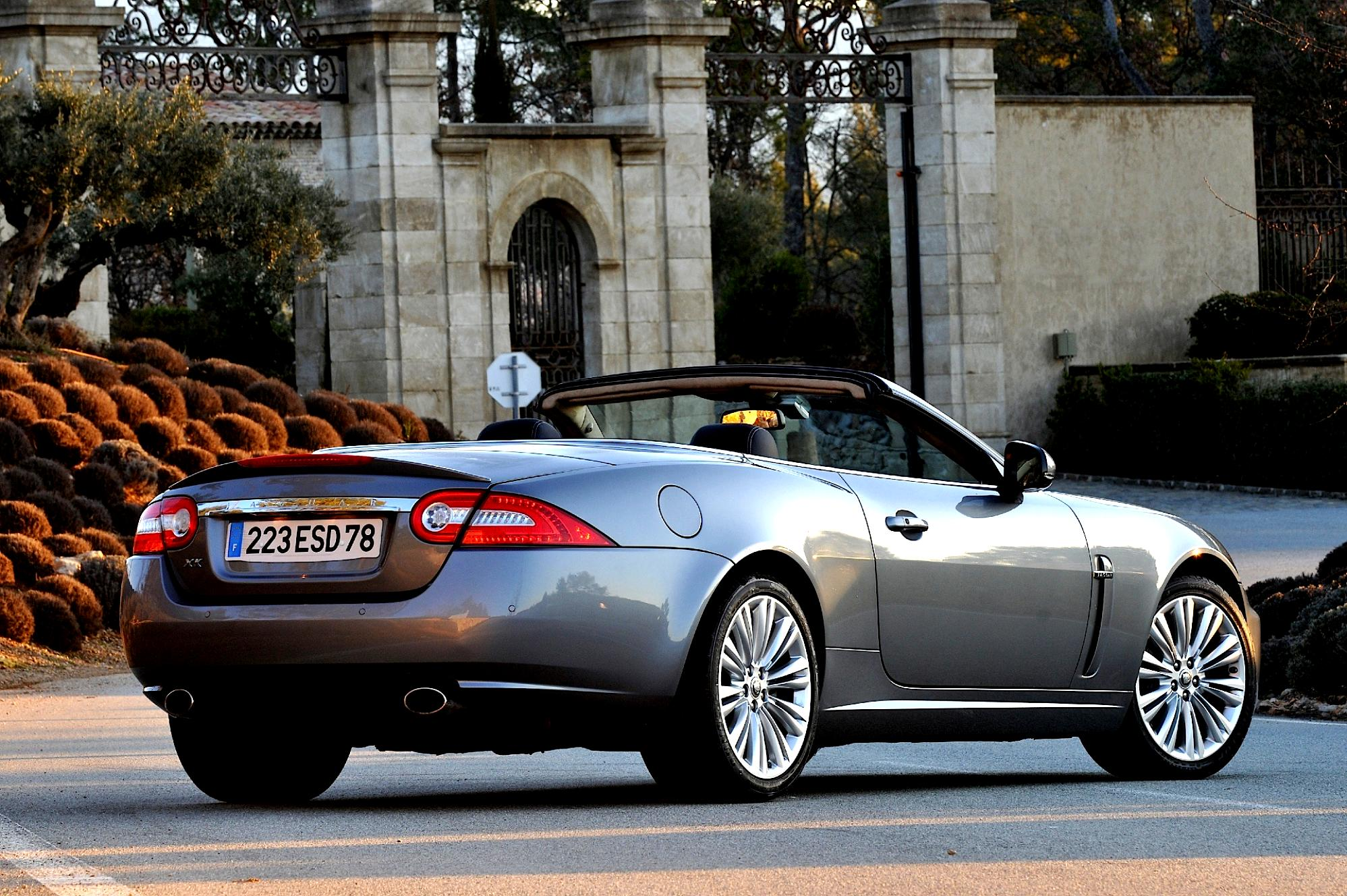 jaguar xk cabrio 2010 photos 30 on. Black Bedroom Furniture Sets. Home Design Ideas