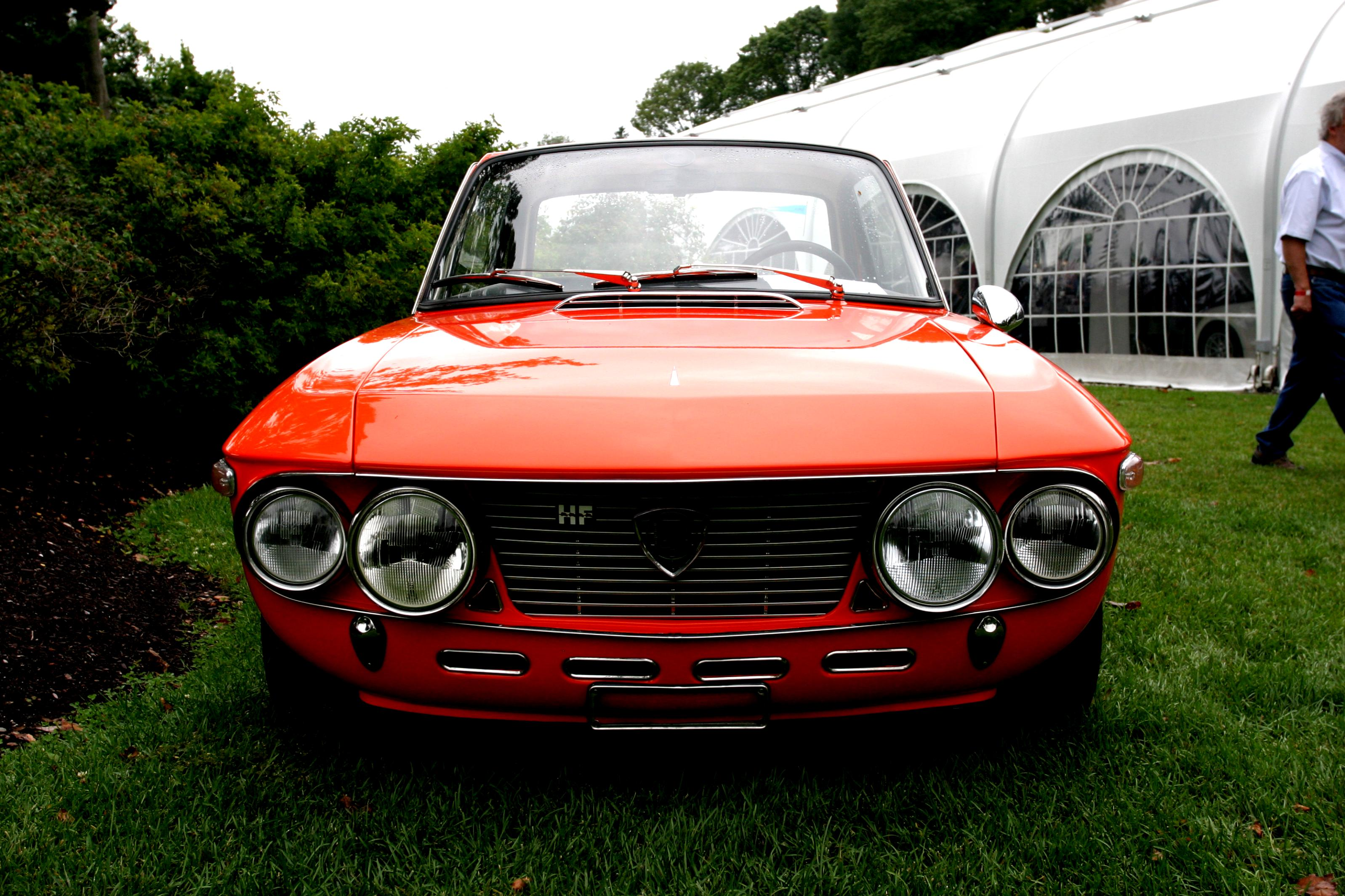 https://motoimg.com/images/lancia-2000-coupe-1971-01.jpg