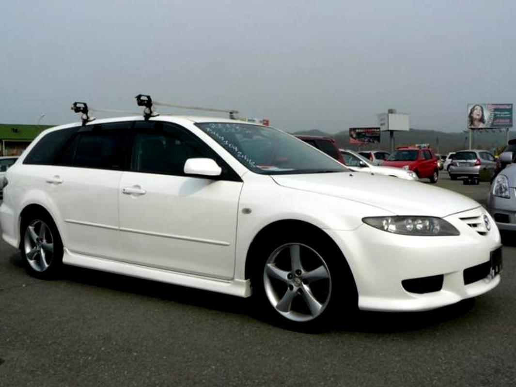 https://motoimg.com/images/mazda-6atenza-wagon-2002-05.jpg
