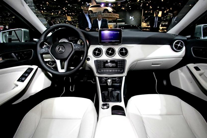 Mercedes Benz A Klasse W176 2012 Photos 14 On Motoimg Com