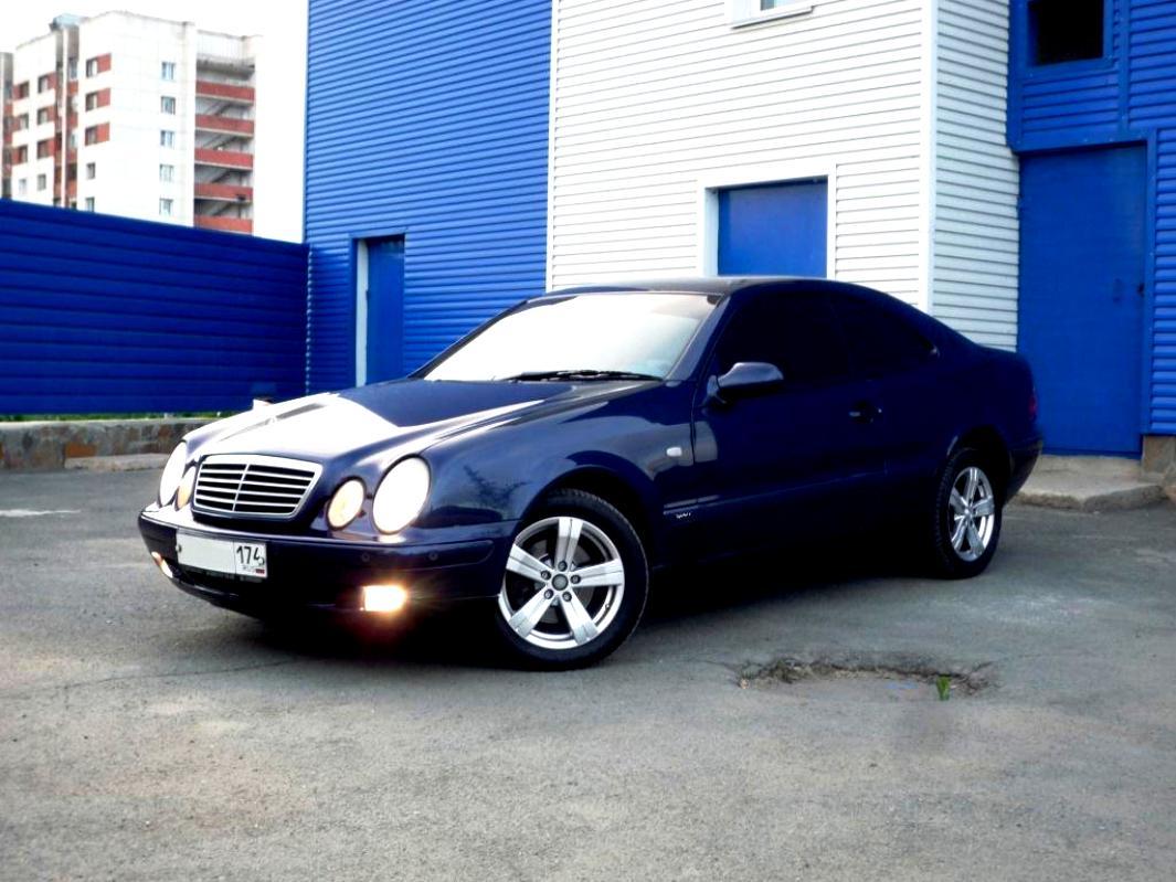 Mercedes benz clk c208 1999 on for Mercedes benz clk 1999