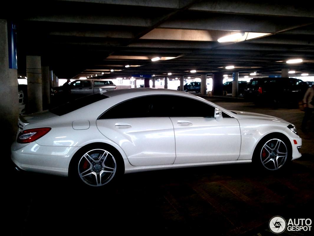 Mercedes benz cls 63 amg c218 2011
