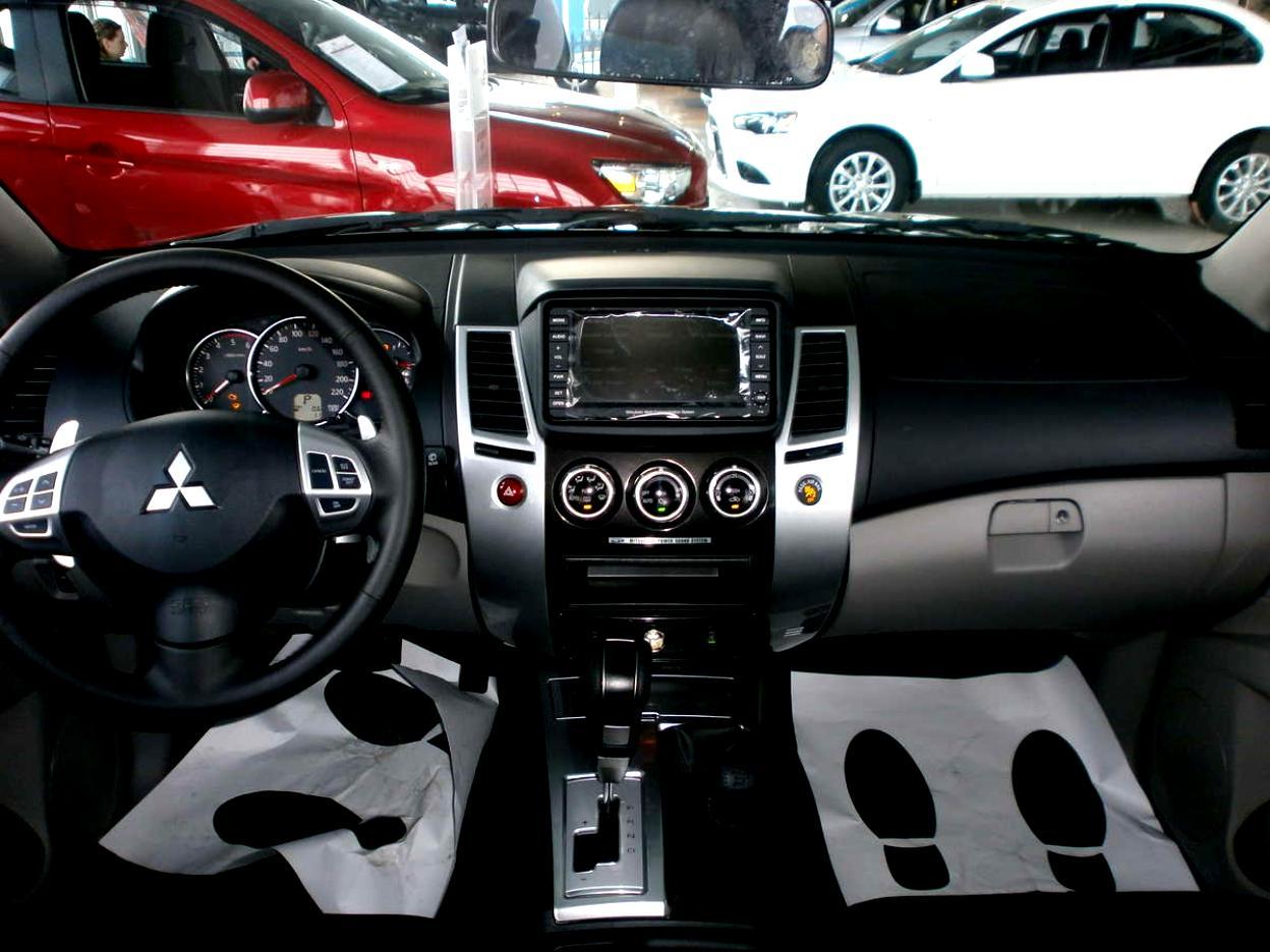 Mitsubishi Pajeromonteroshogun Sport on Mitsubishi Montero Sport Tire Size