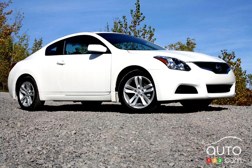 nissan altima coupe 2012 on. Black Bedroom Furniture Sets. Home Design Ideas