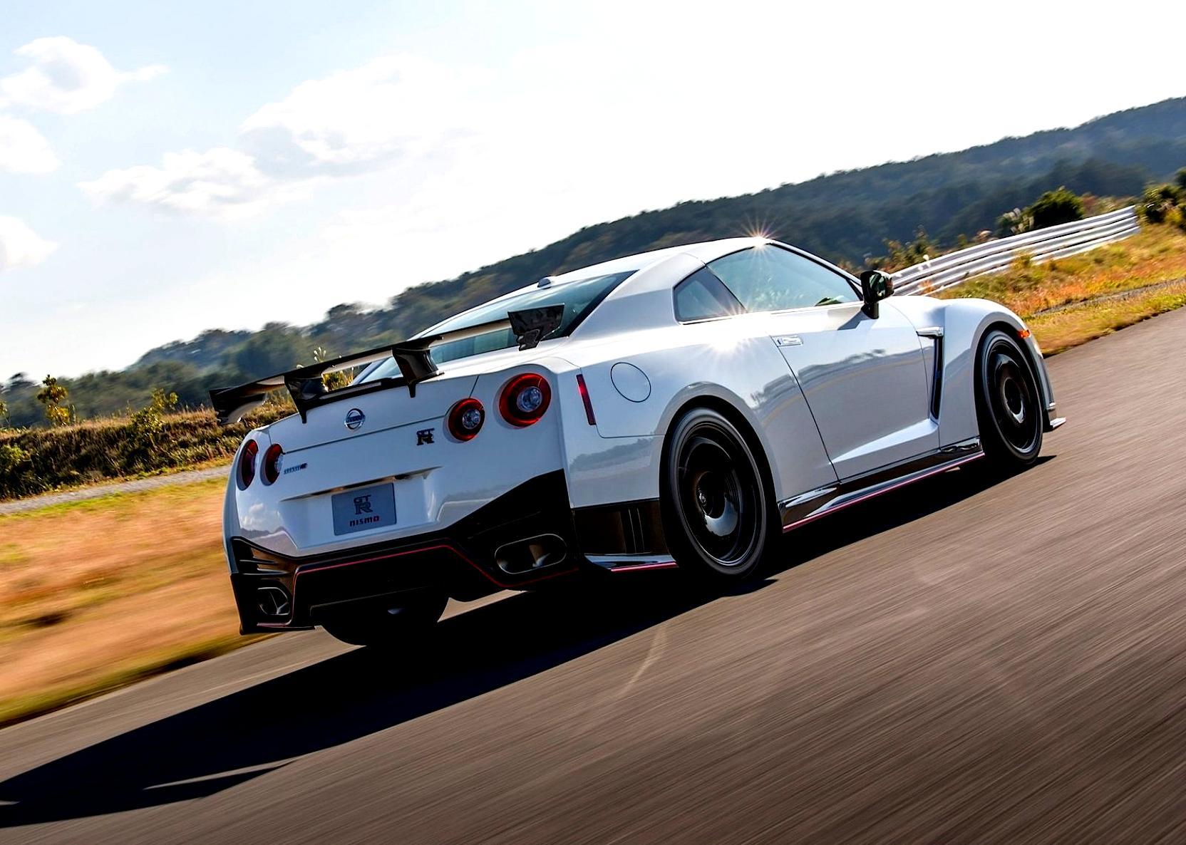 Nissan Juke Tire Size >> Nissan GT-R R35 Nismo 2014 on MotoImg.com