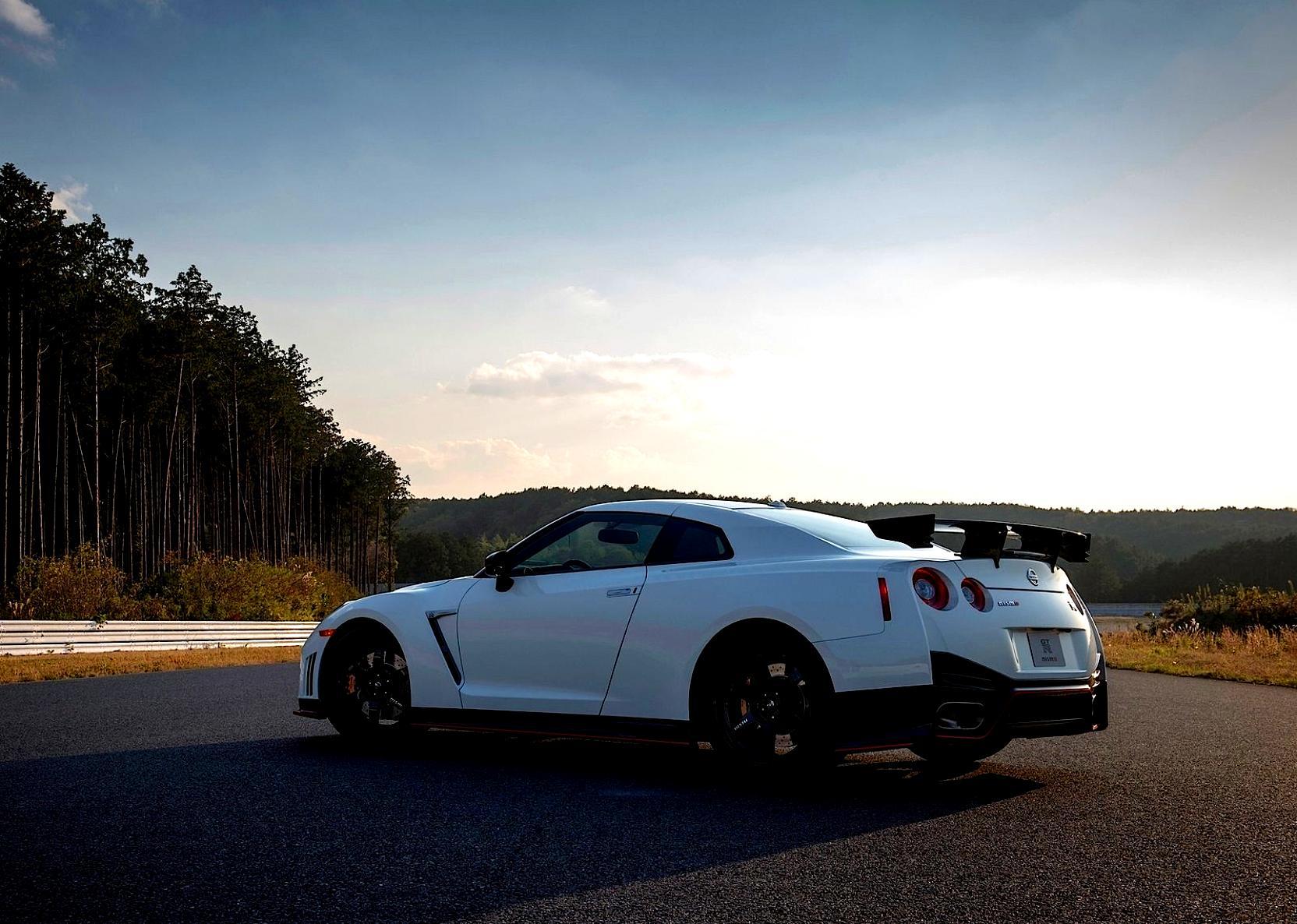 2014 Nissan Juke Tire Size >> Nissan GT-R R35 Nismo 2014 on MotoImg.com