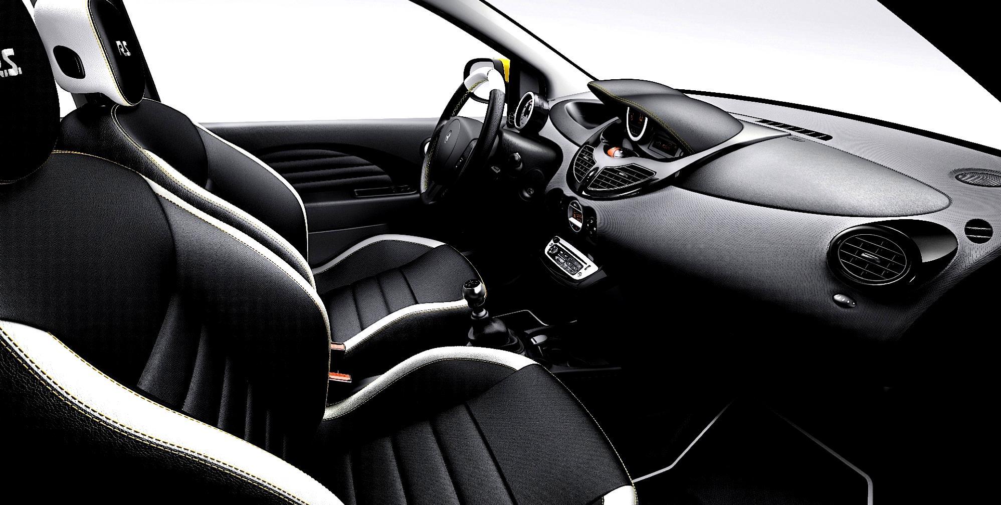 Renault Twingo RS 2011 on MotoImg.com