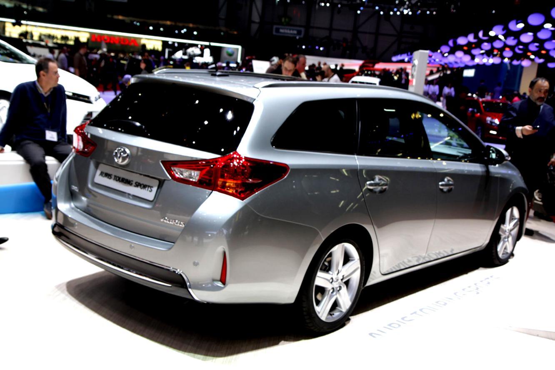Тойота Ярис в новом кузове: фото, цена