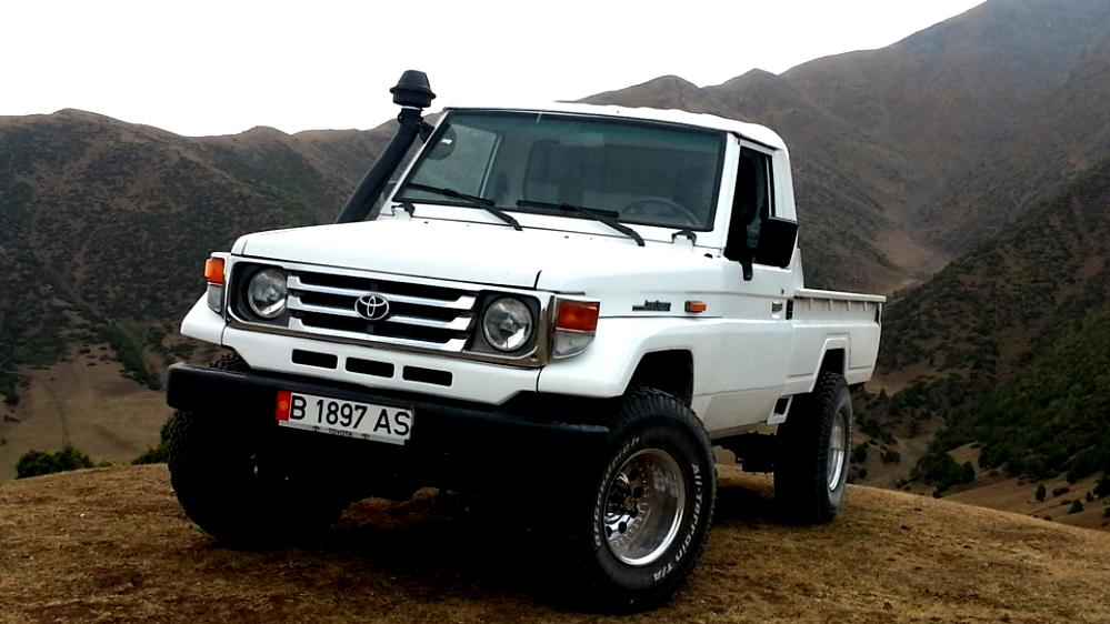 toyota land cruiser fj70 pick up 1984 photos 6 on. Black Bedroom Furniture Sets. Home Design Ideas