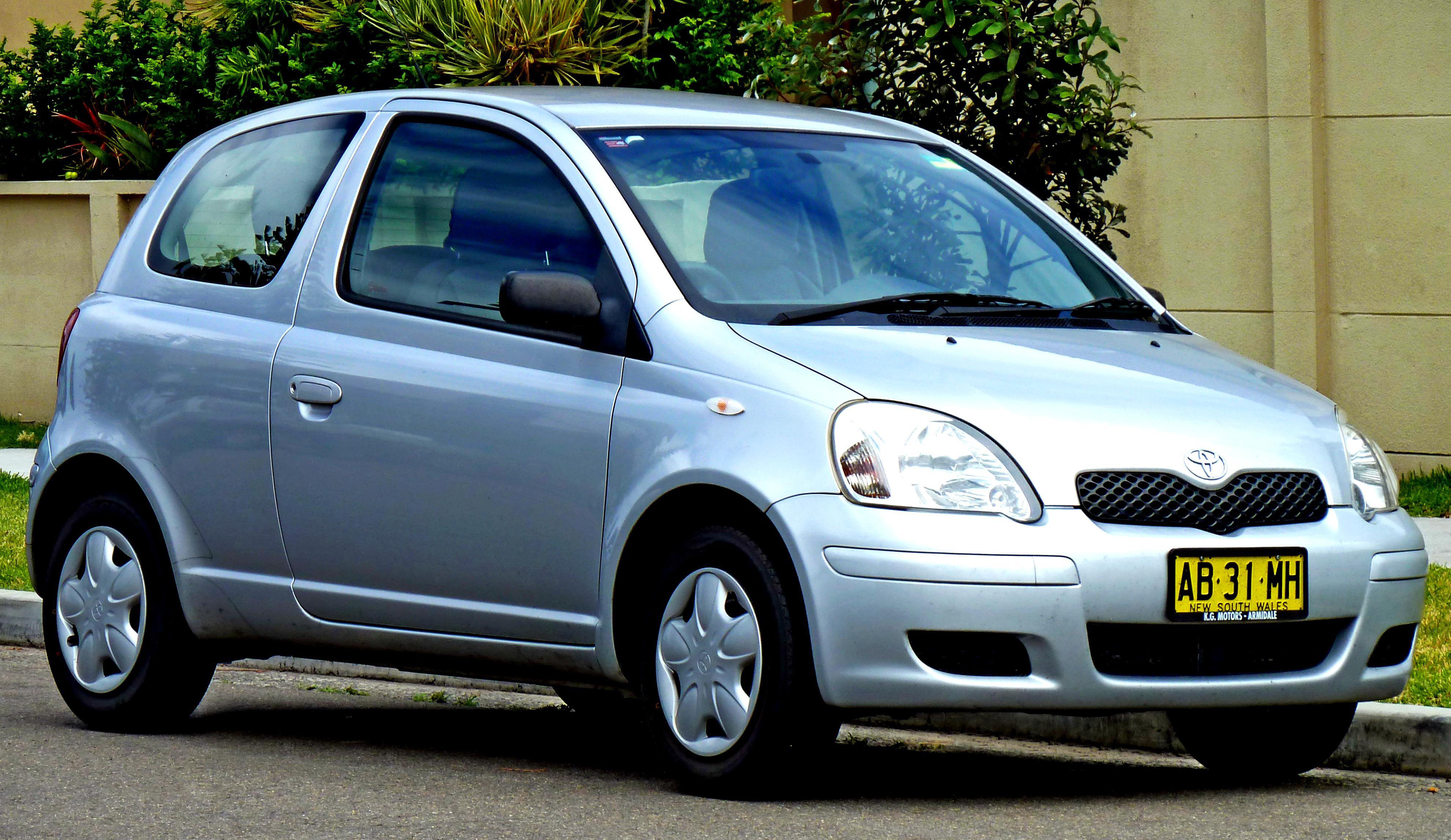 Kelebihan Toyota Yaris 1999 Perbandingan Harga