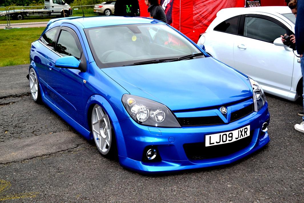 Vauxhall Astra VXR 2005 on MotoImg.com