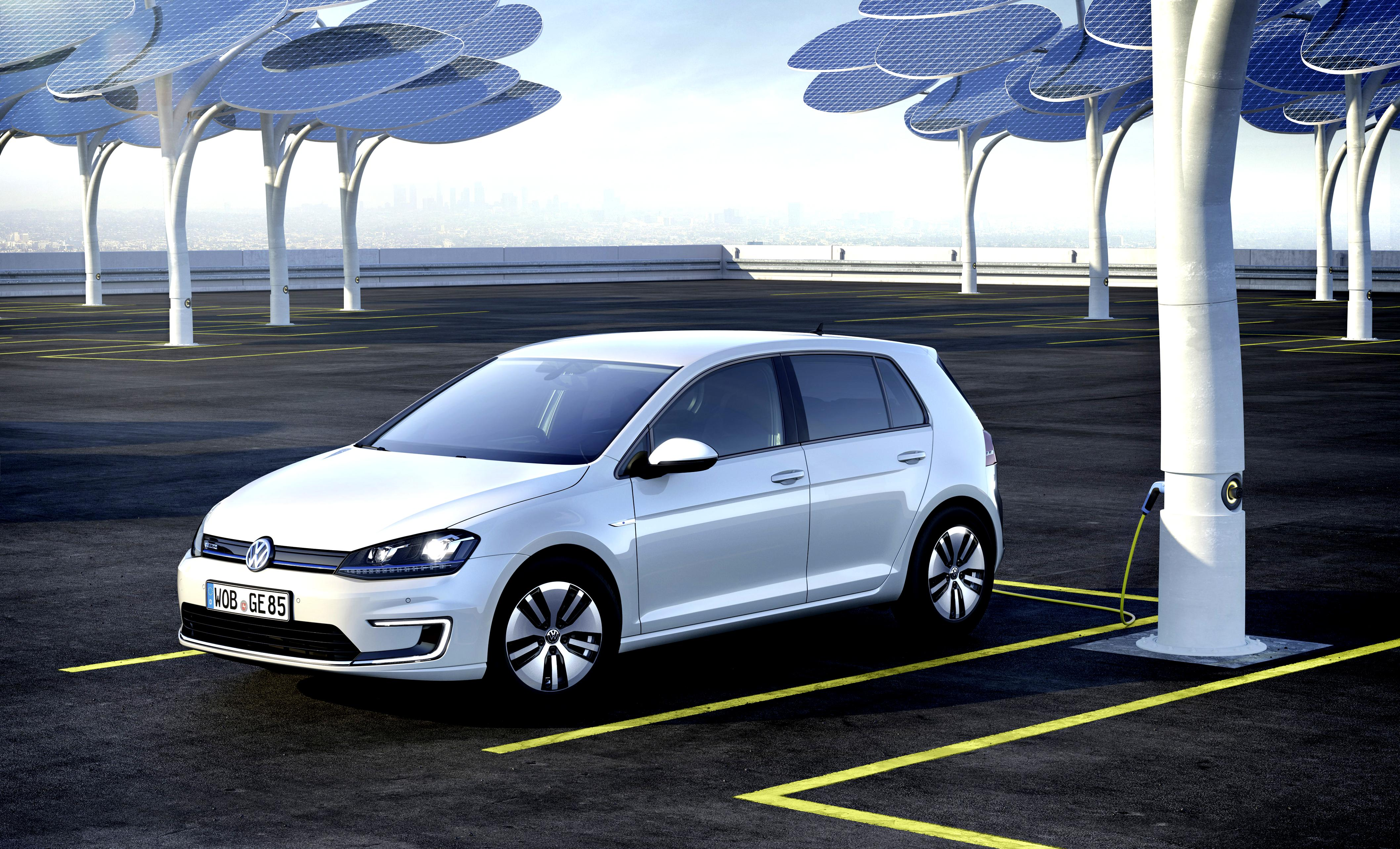 Volkswagen E-Golf 2014 #1