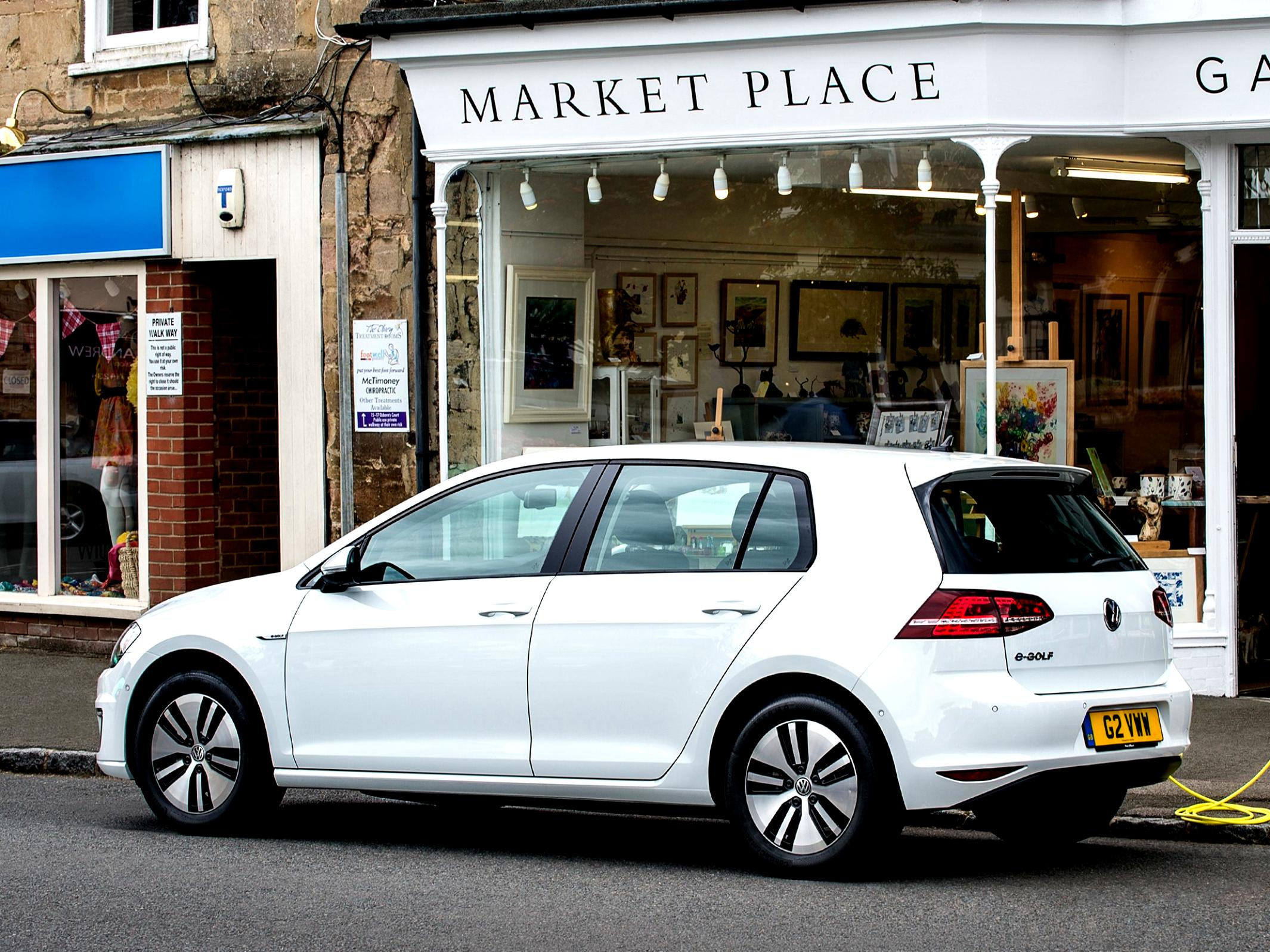 Volkswagen E-Golf 2014 #39