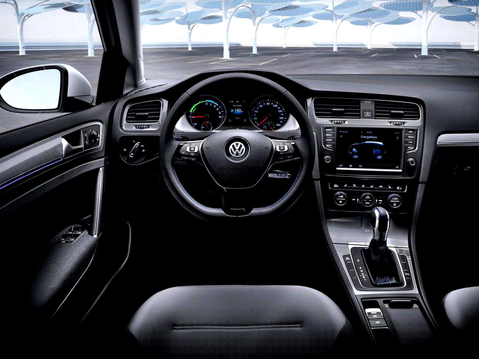 Volkswagen E-Golf 2014 #55