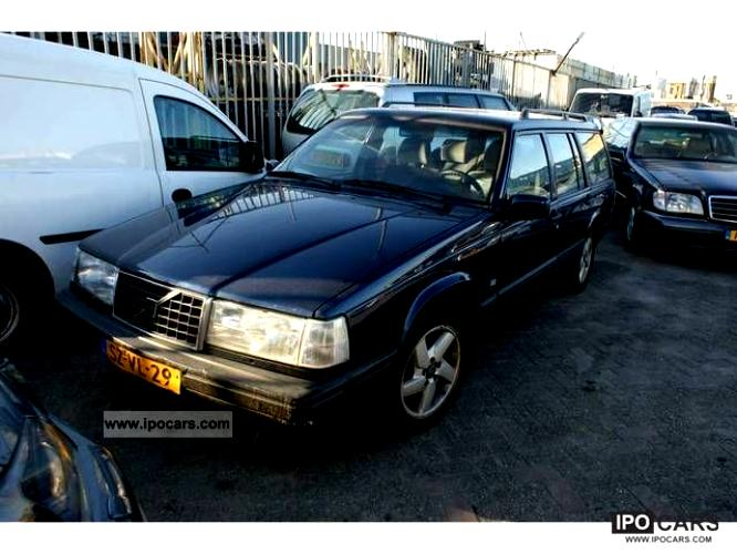 Volvo 940 Estate 1990 on MotoImg com
