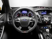 Ford Focus ST 5 Doors 2014 #09