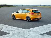 Ford Focus ST 5 Doors 2014 #22