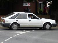 Nissan Bluebird Hatchback 1986 #4