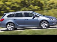 Opel Astra Sports Tourer 2010 #2